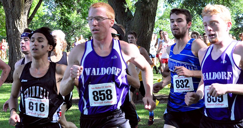 Waldorf's Nathan Meiners (center) placed 113th (28:18.5) in Saturday's Roy Griak Invitational.