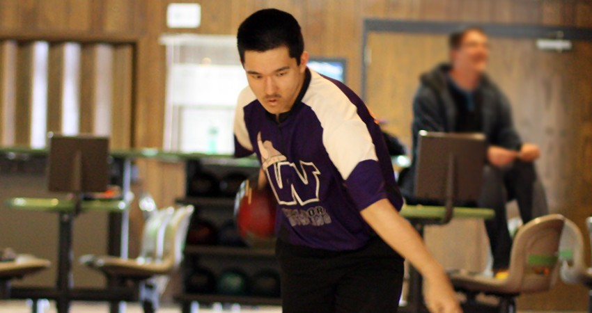 Waldorf's Roger Harford (above) placed 12th with a 1,178 score and 196.33 average in the Jayhawk Collegiate Challenge.