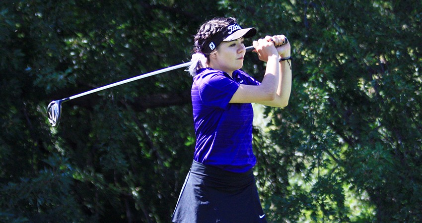 Fernanda Valdes (above) led Waldorf to first place, winning Sunday's Waldorf Invitational with a 75.