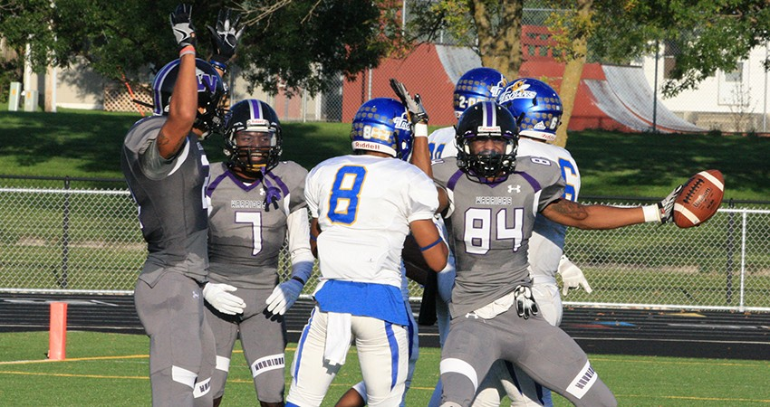 Waldorf's LaRyan Fletcher (right) caught a 13-yard TD pass during Saturday's 37-13 loss to No. 20 Dakota State.