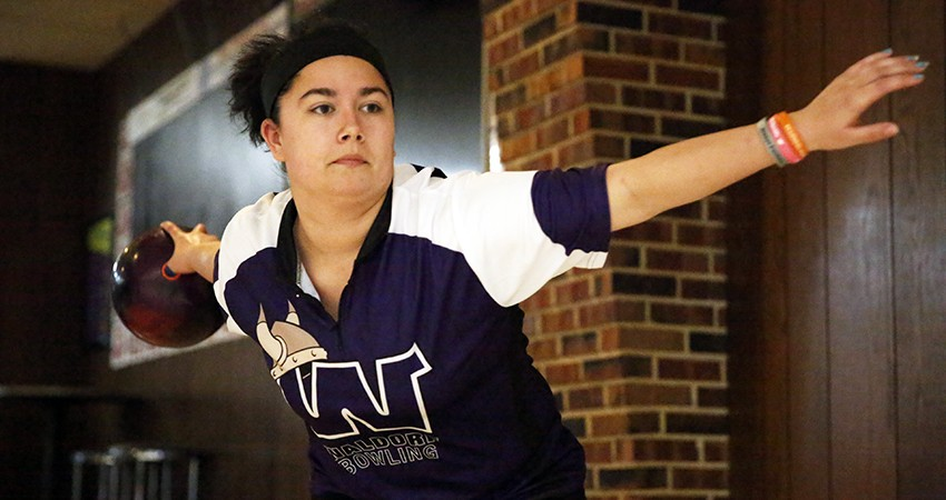 Waldorf's Alyssa Knudson (above) posted a 189.33 average in the Five Seasons Classic.