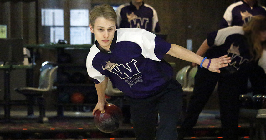 Waldorf's Swiderski earns third-place tie in Bronco Blast