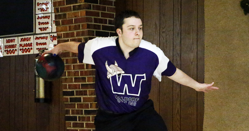 Tanner Schmitz (above) contributed for Waldorf, which placed 42nd in this weekend's Kegel/ISBPA Midwest Collegiate Classic.