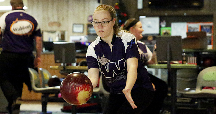 Kelsey Jo Sheldahl (above) contributed for Waldorf in a 45th-place finish in this weekend's Kegel/ISBPA Midwest Collegiate Cl
